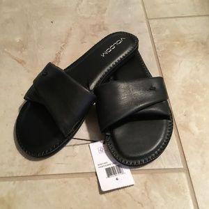 NWT Volcom Slip-on Sandals